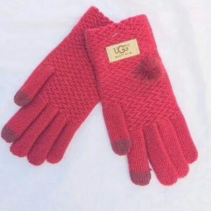 UGG. Gloves